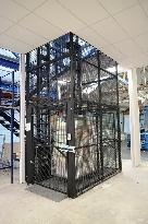 Mezzanine Floor Lift MezzLift Pro 500